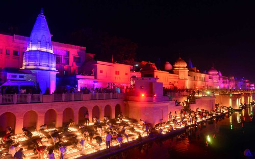 Diwali - Festival of Lights – the biggest in India         - ảnh 1