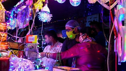 Diwali - Festival of Lights – the biggest in India         - ảnh 5
