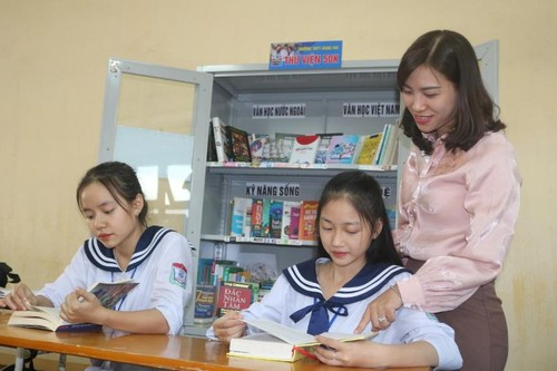 """""""Footsteps of Books"""" spreads reading culture in schools - ảnh 2"""