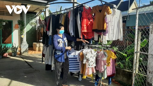 Tien Giang's free market warms the heart of disadvantaged people - ảnh 3