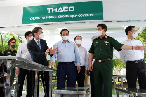 THACO donates special vehicles for vaccine transportation and vaccination - ảnh 1