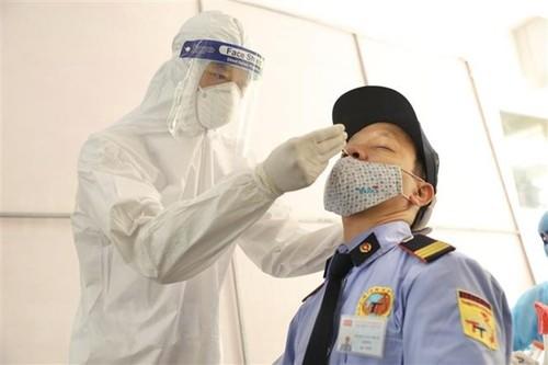 2,016 COVID-19 cases detected in Vietnam Saturday morning - ảnh 1