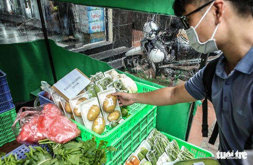 Unmanned shops ensure safety during pandemic - ảnh 1