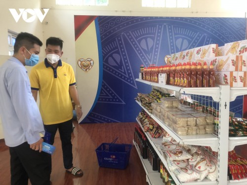 Zero-Dong shops comfort people in pandemic areas - ảnh 1