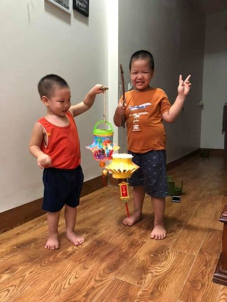 Vietnamese children enjoy special mid-Autumn Festival  - ảnh 2