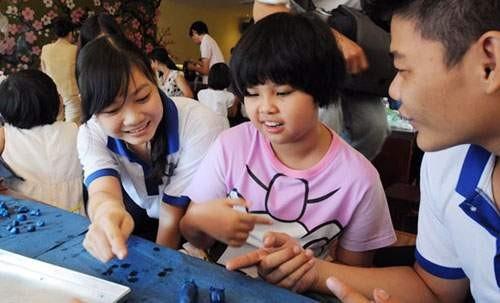 Bersinergi membantu anak-anak penyandang autisme berbaur pada masyarakat - ảnh 1