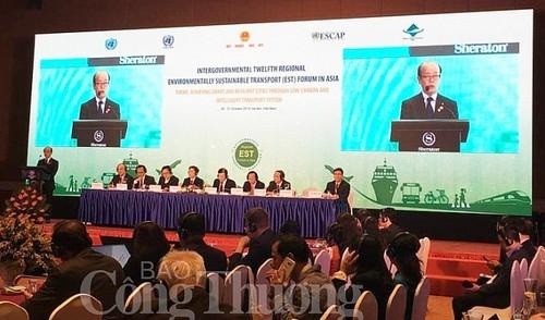 Inauguran Foro Intergubernamental de Transporte Ambientalmente Sostenible en Asia - ảnh 1