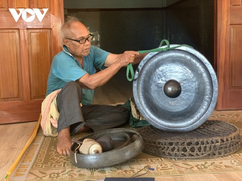 Gia Lai por preservar el espacio cultural de gongs y batintines - ảnh 2