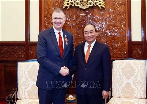 Presidente vietnamita aprecia los aportes del embajador estadounidense en Hanói - ảnh 1