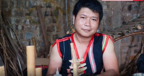 Ro Cham Khanh, protector del patrimonio musical Jrai - ảnh 1