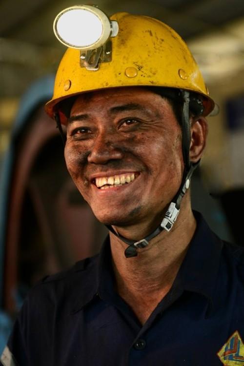 """Nguyen Trong Thai, minero """"Héroe del Trabajo"""" de Quang Ninh - ảnh 1"""
