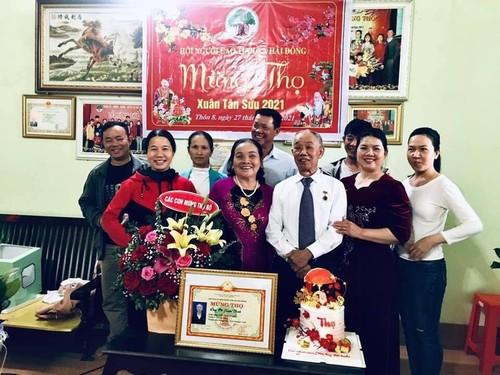 """Día de la Familia en Vietnam 2021: """"Familia pacífica - Sociedad feliz"""" - ảnh 2"""