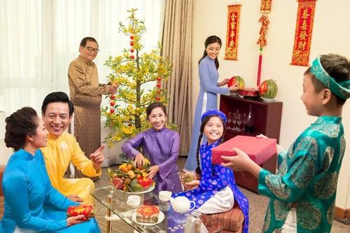 """Día de la Familia en Vietnam 2021: """"Familia pacífica - Sociedad feliz"""" - ảnh 3"""