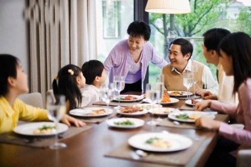 """Día de la Familia en Vietnam 2021: """"Familia pacífica - Sociedad feliz"""" - ảnh 4"""