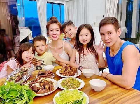 """Día de la Familia en Vietnam 2021: """"Familia pacífica - Sociedad feliz"""" - ảnh 5"""