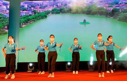 """Día de la Familia en Vietnam 2021: """"Familia pacífica - Sociedad feliz"""" - ảnh 9"""