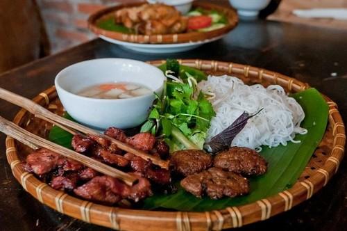 Revista británica recomienda nueve platos típicos de Vietnam - ảnh 4