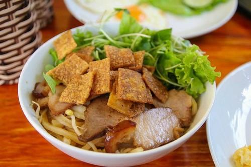 Revista británica recomienda nueve platos típicos de Vietnam - ảnh 7
