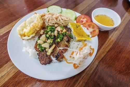 Revista británica recomienda nueve platos típicos de Vietnam - ảnh 9