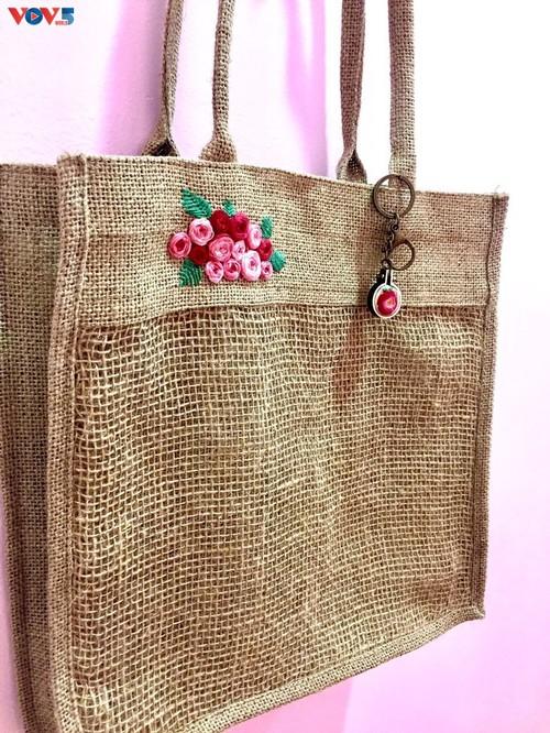 Marca local y ecológica en Hanói produce bolsos de arpillera - ảnh 16