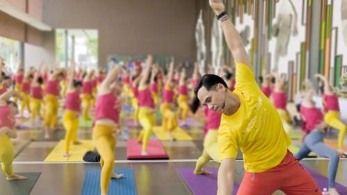 Happy Flow, o el yoga con música, un estilo cada vez más popular en Vietnam - ảnh 2