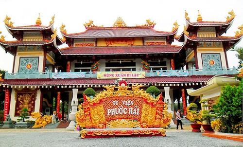 Wisata Ke Kuil Buddha Quan Im