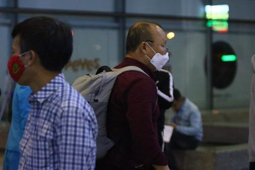 Huấn luyện viên Park Hang-seo và vợ đã quay lại Việt Nam - ảnh 5