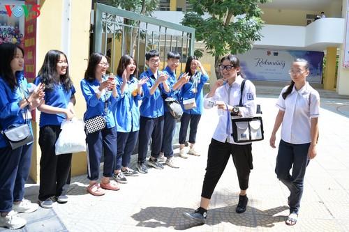 Học sinh cấp II Hà Nội phấn khởi hoàn thành kỳ thi tuyển sinh lớp 10 - ảnh 8