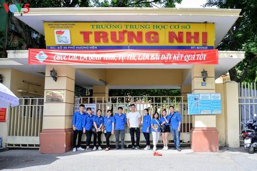 Học sinh cấp II Hà Nội phấn khởi hoàn thành kỳ thi tuyển sinh lớp 10 - ảnh 17