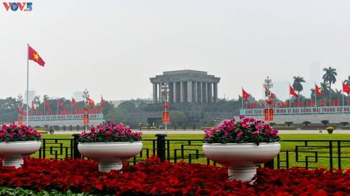 Hà Nội rực rỡ cờ hoa chào mừng Đại hội lần thứ XIII của Đảng - ảnh 13
