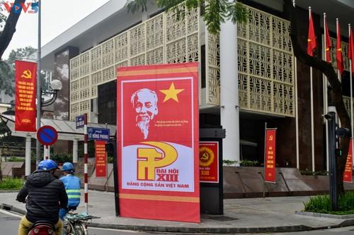 Hà Nội rực rỡ cờ hoa chào mừng Đại hội lần thứ XIII của Đảng - ảnh 15