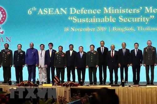 Ouverture de la conférence ADMM+ à Bangkok - ảnh 1