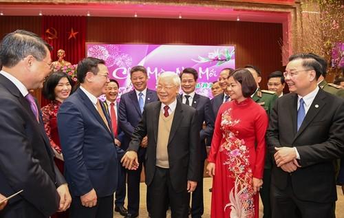 Nguyên Phu Trong formule ses voeux aux autorités et à la population de Hanoi - ảnh 1