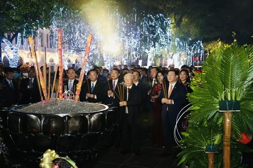 Nguyên Phu Trong formule ses voeux aux autorités et à la population de Hanoi - ảnh 2