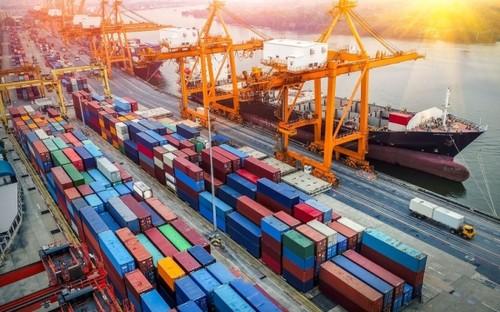 Exportation: un excédent commercial de 1,63 milliard de dollars pour quatre premiers mois de 2021 - ảnh 1