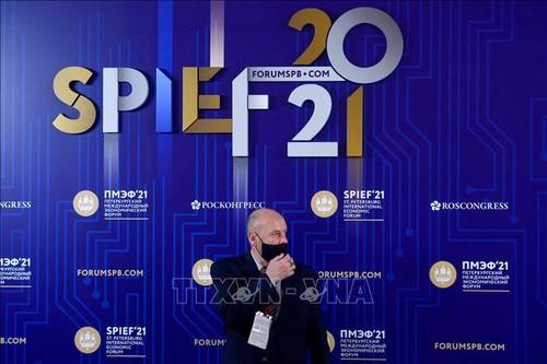 Trân Tuân Anh au 24e Forum économique international de Saint-Pétersbourg - ảnh 1
