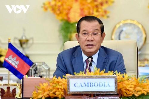 Hun Sen félicite Pham Minh Chinh de sa réélection au poste de Premier ministre - ảnh 1