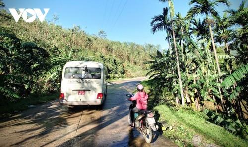Phó Thủ tướng Trịnh Đình Dũng chỉ đạo công tác cứu nạn tại xã Trà Leng, Nam Trà My - ảnh 10