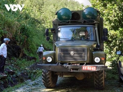 Phó Thủ tướng Trịnh Đình Dũng chỉ đạo công tác cứu nạn tại xã Trà Leng, Nam Trà My - ảnh 18