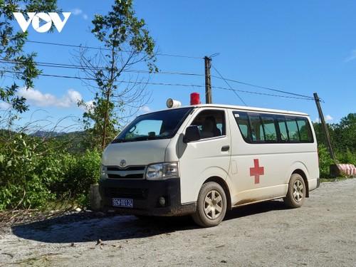 Phó Thủ tướng Trịnh Đình Dũng chỉ đạo công tác cứu nạn tại xã Trà Leng, Nam Trà My - ảnh 19