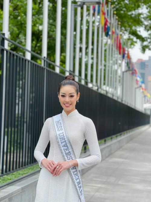 Hoa hậu Khánh Vân diện áo dài trắng, khoe dáng giữa nước Mỹ - ảnh 2