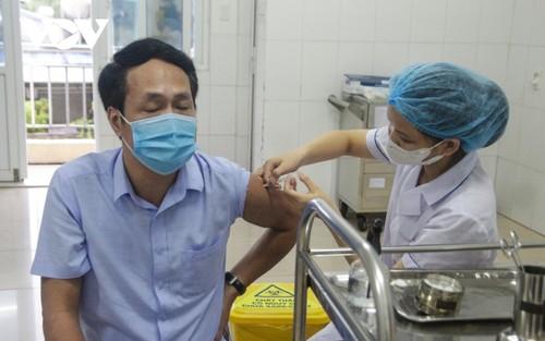 Người dân Quảng Ninh trở lại nhịp sống bình thường mới - ảnh 12