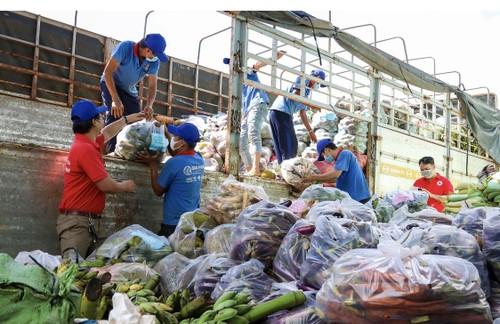 Tình người trong đại dịch ở Thành phố Hồ Chí Minh - ảnh 18