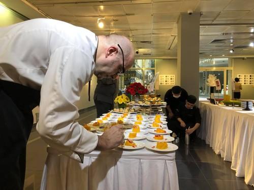 """Exposition: """"Toque blanche"""", la gastronomie française à déguster avec les yeux - ảnh 8"""