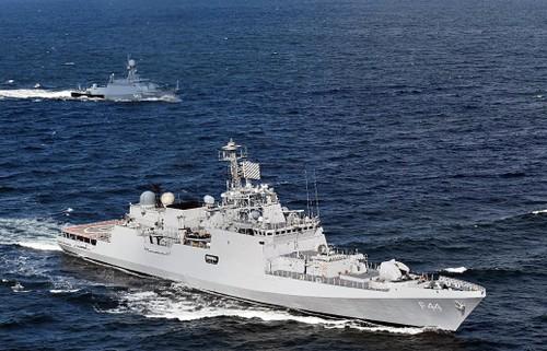 Indien schickt vier Kriegsschiffe ins Ostmeer für bilaterale Seemanöver - ảnh 1