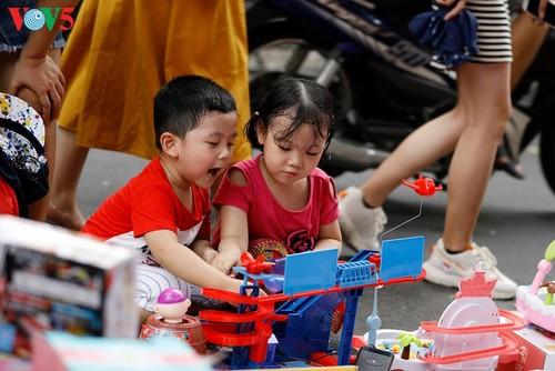 Возвращение в детство на улице Ханг-Ма - ảnh 14