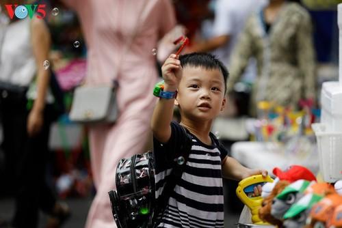 Возвращение в детство на улице Ханг-Ма - ảnh 16