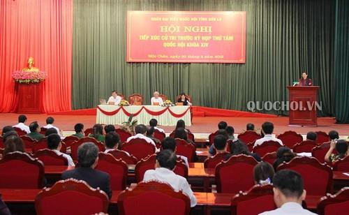 Вице-спикер парламента Тонг Тхи Фонг встретилась с избирателями в провинции Лангшон - ảnh 1
