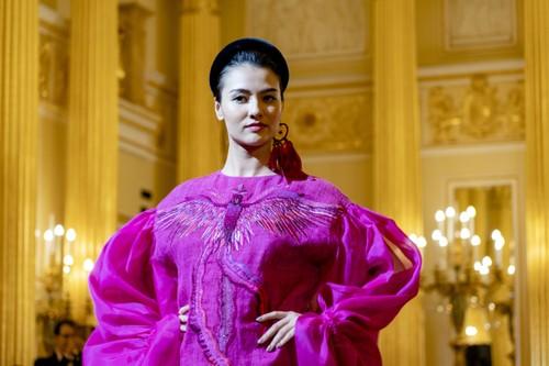 Красота вьетнамского шёлка и парчи в России - ảnh 9