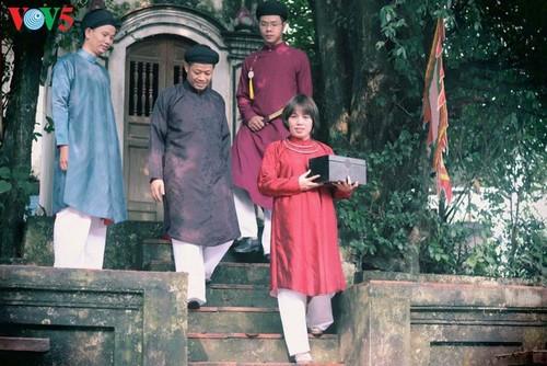 """Мужчины во вьетнамском традиционном платье """"аозай"""" - усиление праздничной атмосферы - ảnh 4"""